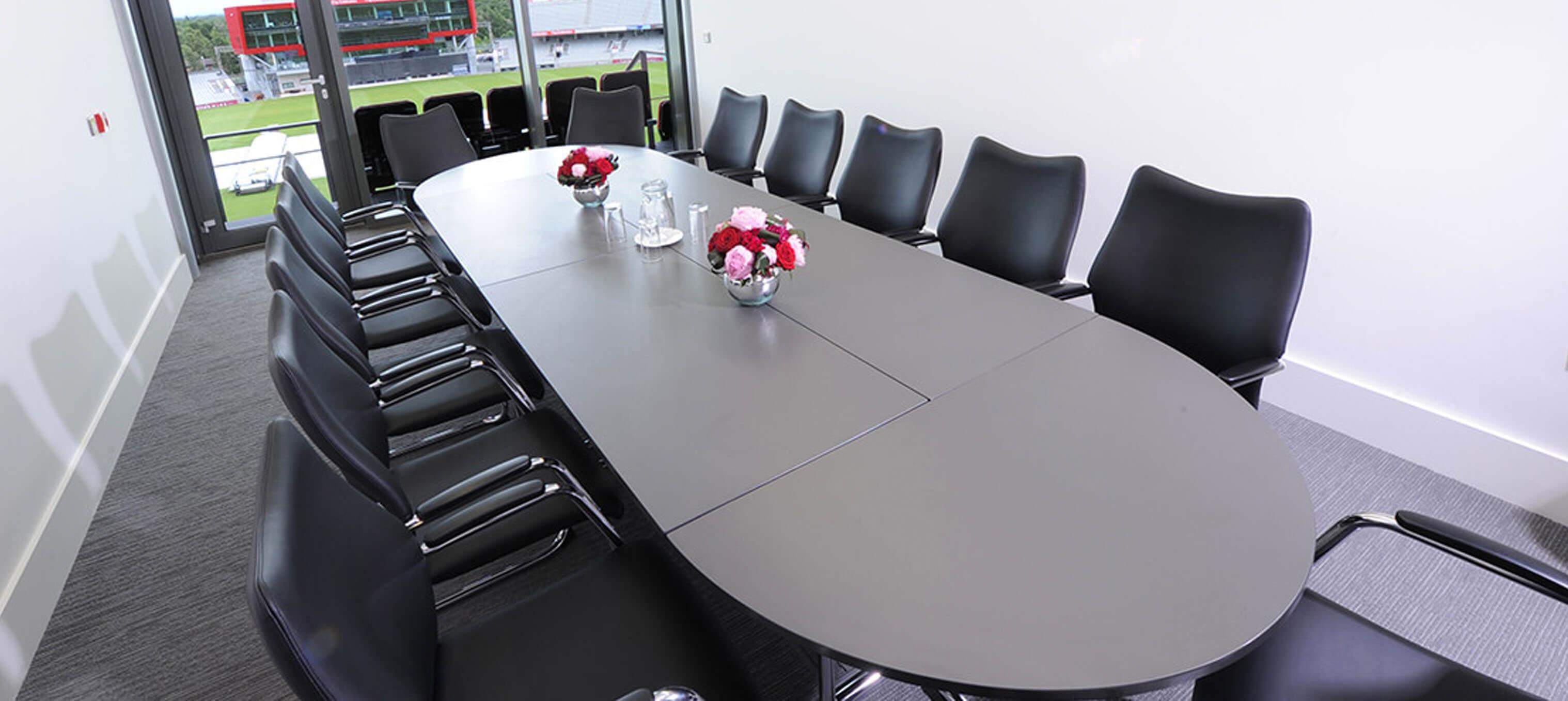 Forum Board Room Stühle  Hero 2