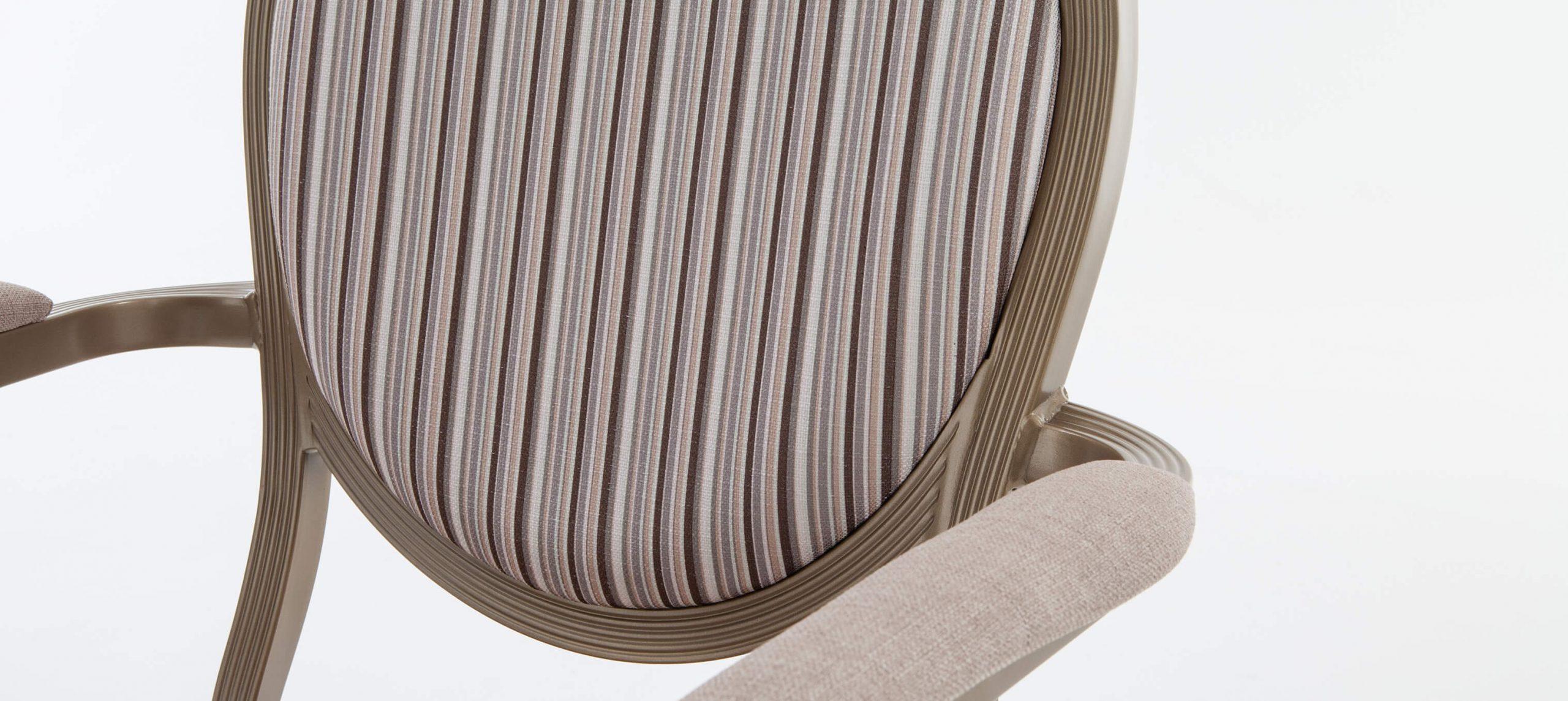 Salon Chair - Close Up  1500x1671